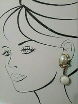 VINTAGE CLIP DANGLE EARRINGS FAUX MABE PEARL LILAC LT GREEN CABS REVERSI... - $45.00