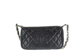 "CHANEL Timeless CC Pochette Black Leather Shoulder Bag, 6"" X 1.5"" X 9.75"" - $22.094,97 MXN"