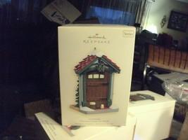 20#8   NIB Hallmark Germany Doorways around the world Christmas Tree orn... - $9.69