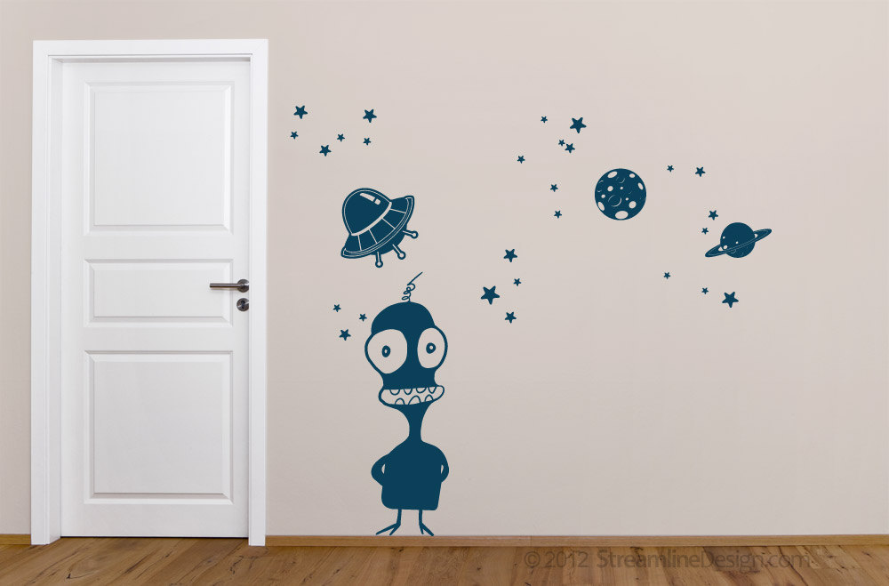 Smiles O'Brien Alien Vinyl Wall Art Set