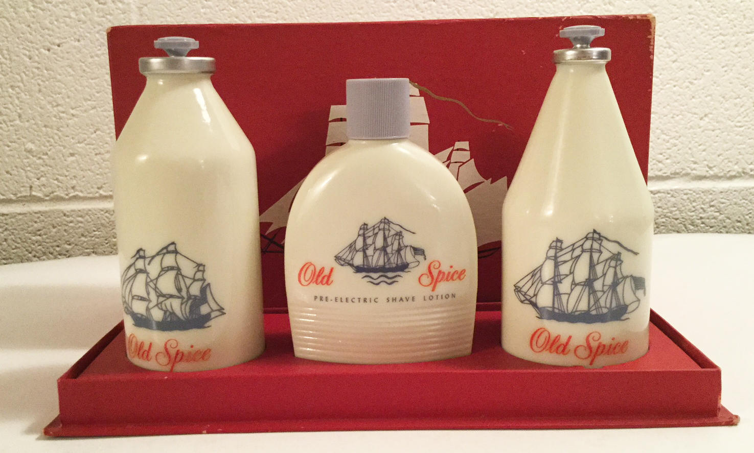 Old Spice Shulton Glass Bottles Gift Set Original Box Collectors Item After Shav