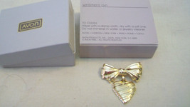 AVON GOLDTONE HEART SENTINMENT PIN, BNIB - $11.13