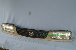 93-94 Nissan Tsuru Sunny Sentra B13 Headlights Head Light Lamps Set L&R w/ Grill image 1
