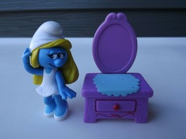 2009 Jakks Pacific Smurfs Smurfette with Vanity Desk - $8.59
