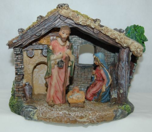 Dicksons CHNAT 351 Nativity Holy Family Stable 5 Inch