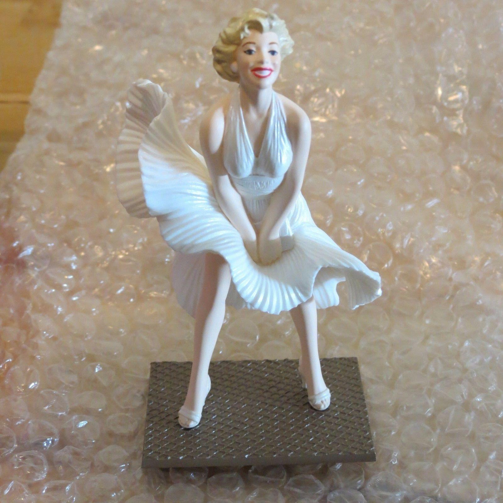 Marilyn Monroe Hallmark Keepsake Ornament 1998  in original box Seven Year Itch image 9