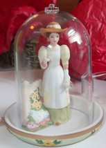 Avon Presidents Club 2008 Figurine - $14.95