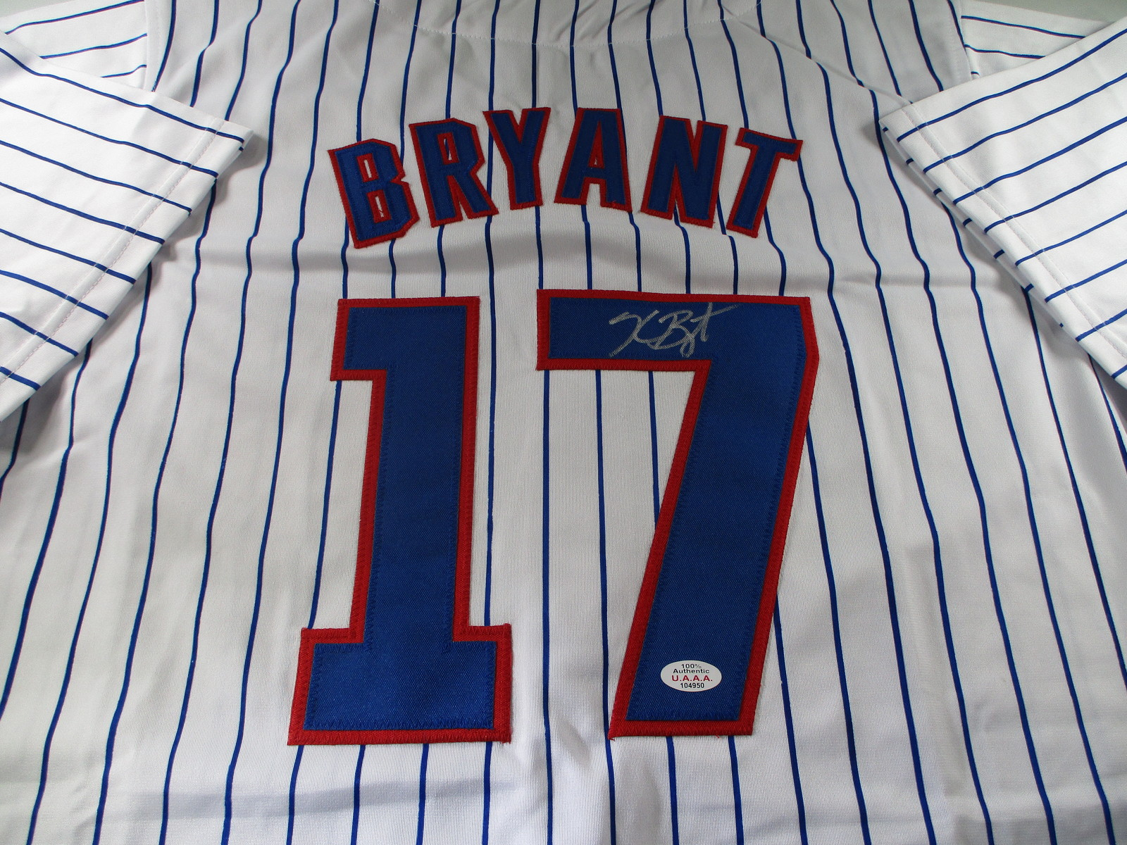 KRIS BRYANT / AUTOGRAPHED CHICAGO CUBS PINSTRIPED CUSTOM BASEBALL JERSEY / COA
