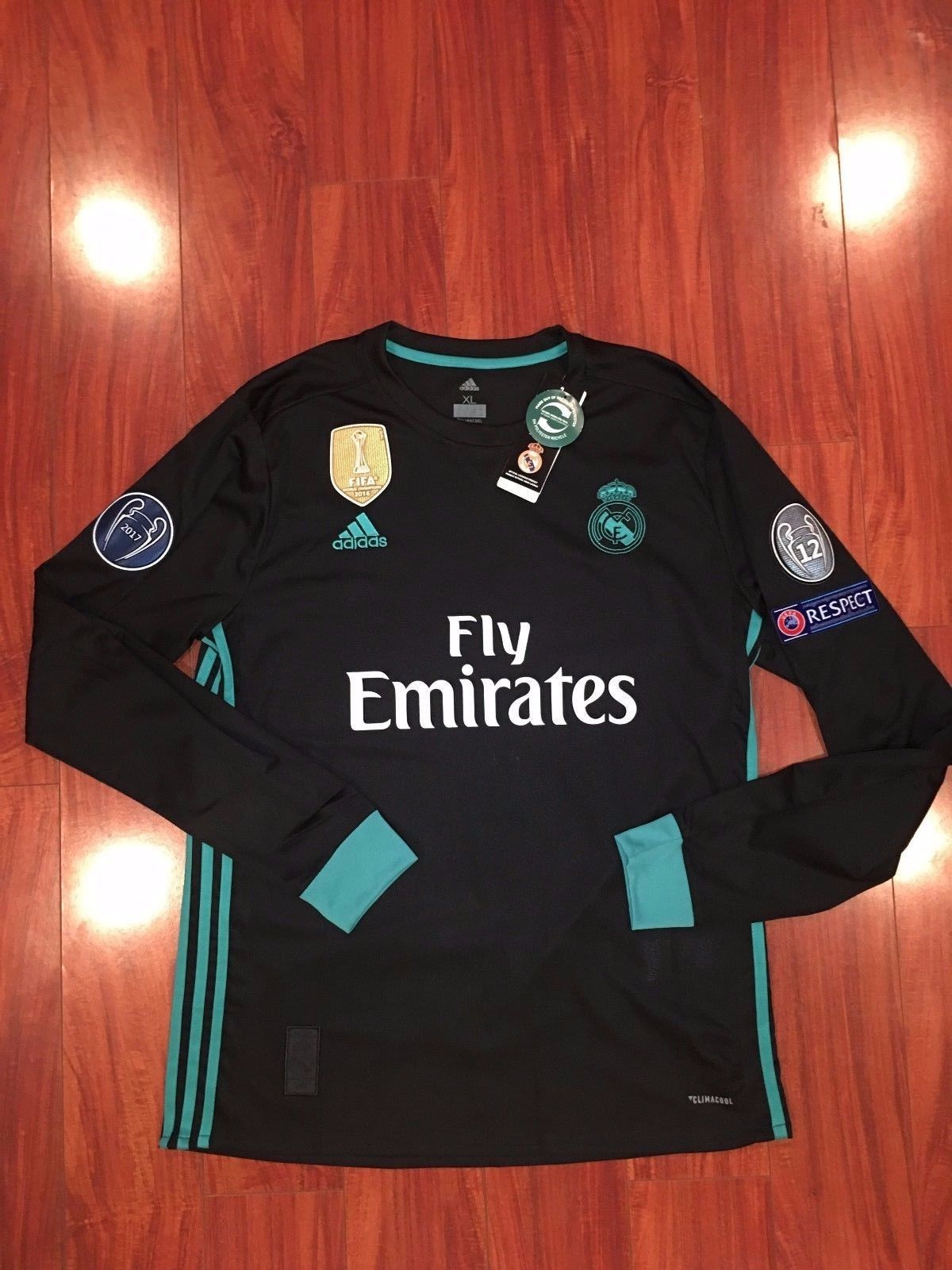 Primary image for Real Madrid Long Sleeve  Ronaldo Champions League Jersey 17/18 Away Black