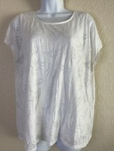Chico's Womens Size 2 White Leaf Pattern Blouse Short Sleeve Built In Tank - $13.53
