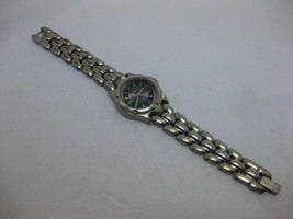 Ladies Fossil F2 Watch With Black Face ES 8815 Works Fresh Battery Silver - $34.64