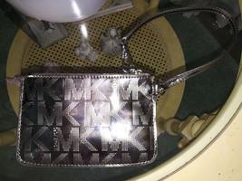 Michael Kors MK Pewter Silver Metallic Wristlet Clutch Coin Purse Clubbing - $21.77
