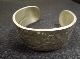 Vintage Signed SALISBURY PEWTER Birth Flower OCTOBER Cosmos cuff bracelet - $22.28