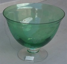 Vintage Green Etched Glass Footed Compote Bowl - PRETTY SNOWFLAKE PATTER... - $29.69