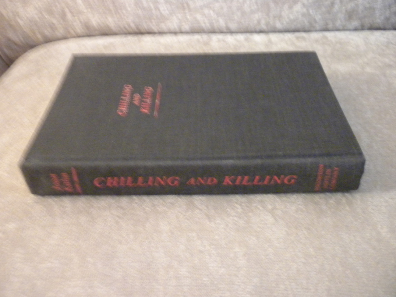 Chilling and Killing edited by Joan Kahn 1st 1978 HCwDJ 21 suspense stories