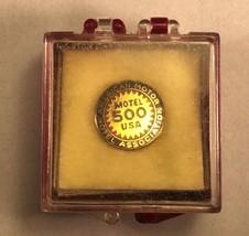 "Vintage American Motors Hotel Association ""Motel 500 USA"" Pin Back - $14.20"