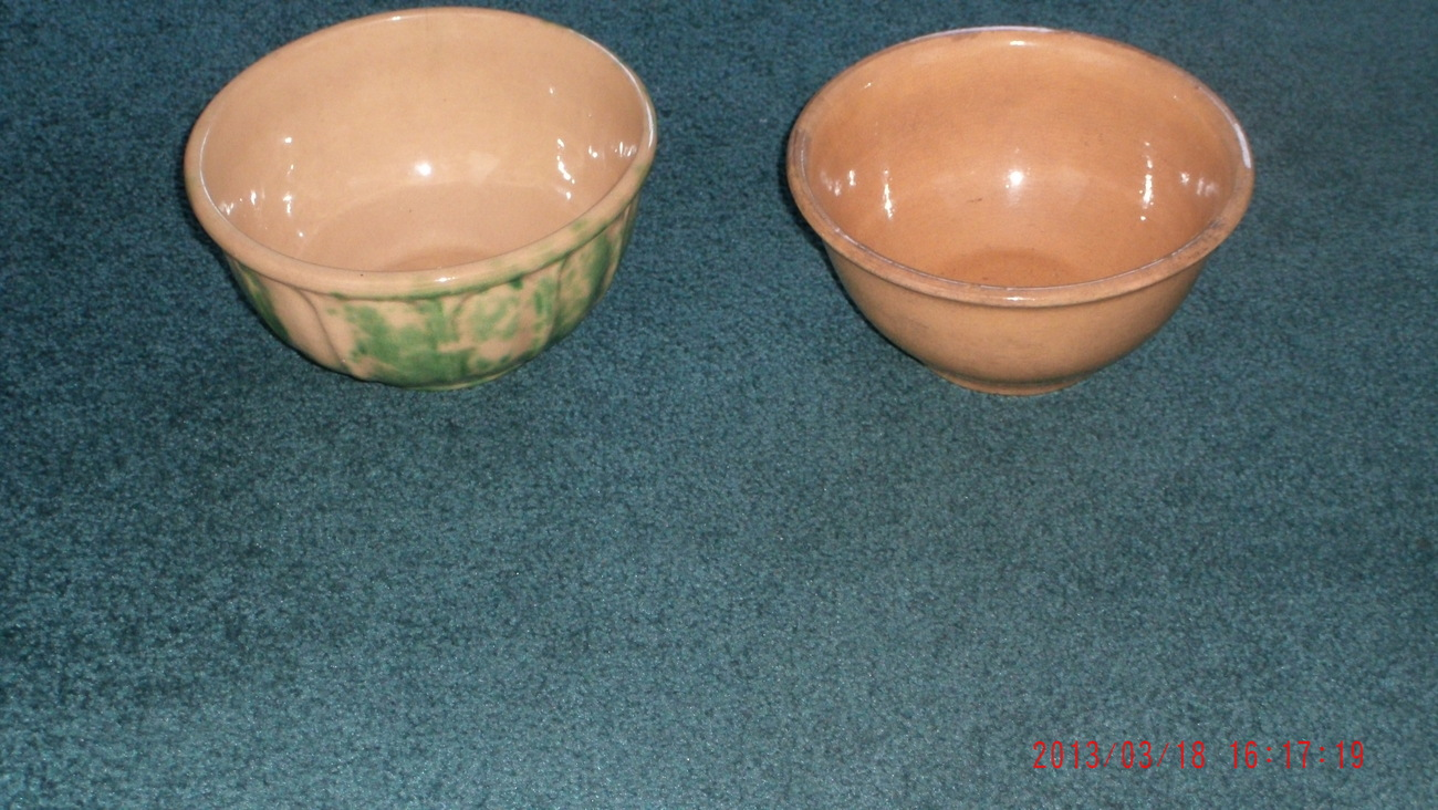 Elite #8 Alberta Pottery Green SPONGE WARE & early MEDALTA Pottery Mixing Bowl