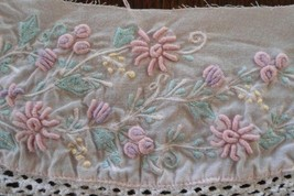 Per Yard Antique HAND Vtg Fine Bobbin Lace Trim FRENCH DRESS DOLL Bridal WHITE