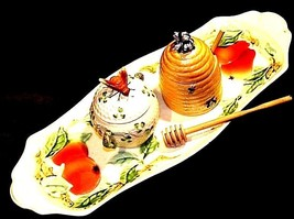 Bread and Cheese Platter with two Honey Combs with Stir Sticks AA18-1309 Vintage image 1