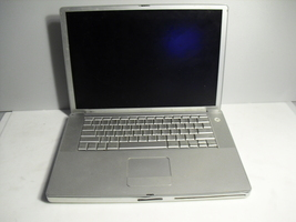 apple  power book   g4  a1106   ,for  parts  broken  screen - $9.99
