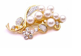 Wedding Bouquet Gold Brooch with Pearls & Diamond Sparkling - $10.78