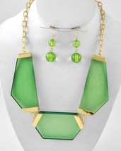 Modern Gold Tone Green Lucite Geometric Chunky Statement Necklace Earrin... - $21.59