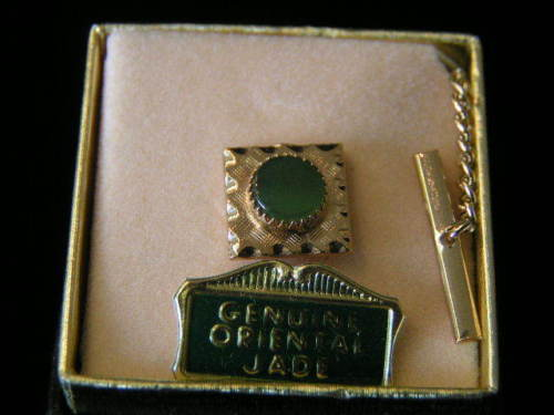 Primary image for Vintage genuine Jade Square Tie Tack #2