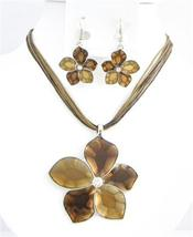 Colorado & Smoked Topaz Necklace Shaded Flower Necklace Set In Brown - $22.48