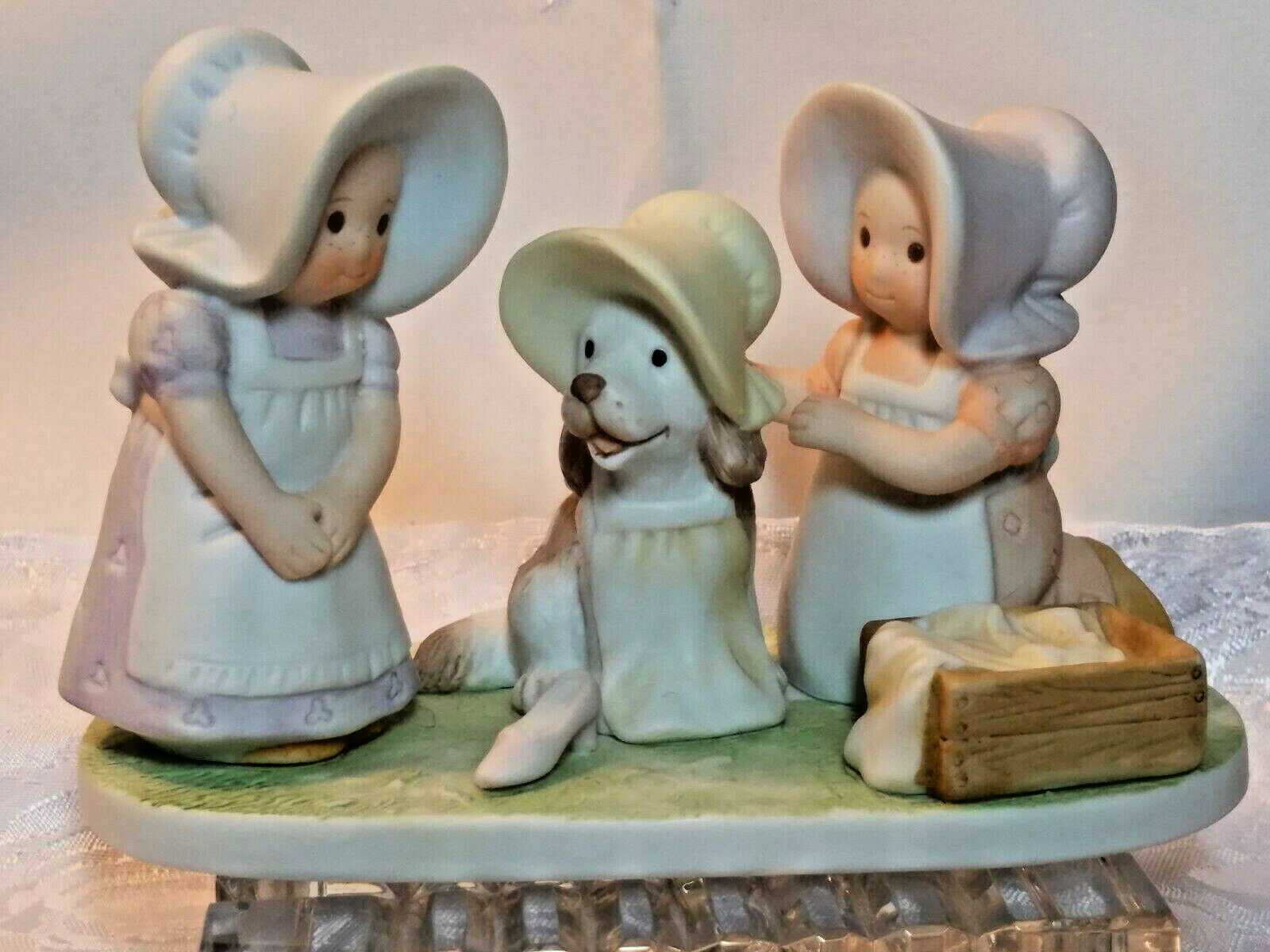 "HOME INTERIOR HOMCO PORCELAIN FIGURINE ""BE HAPPY!"" PETER 5:5 1994"