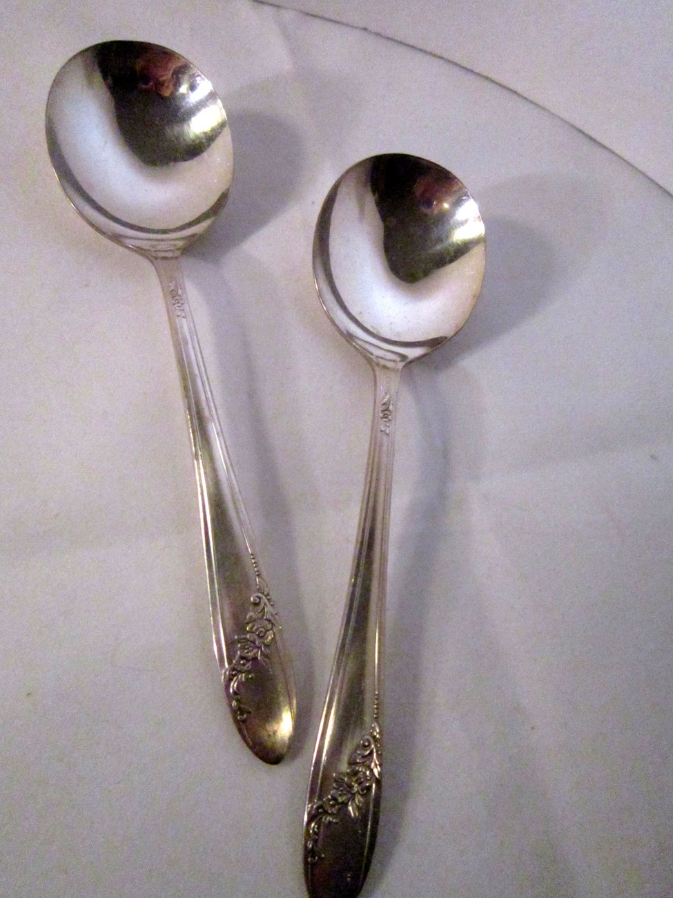 Onieda queen bess ii silverplate soup spoon 05