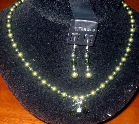Primary image for Swarovski Green Pearls Necklace Set