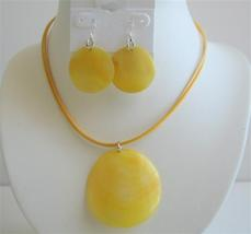 Sexy Stunning Yellow Shell Necklace Set Round Pendant Shell Earrings - $12.08
