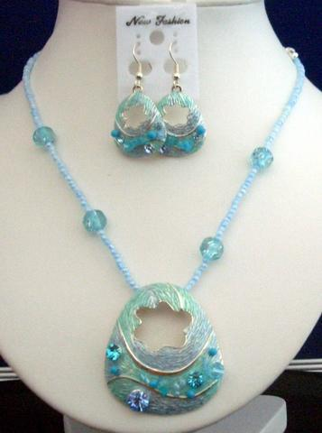 Primary image for Necklace Set Artform Turquoise Crystals Shell & Bead w/ Enameled Shell