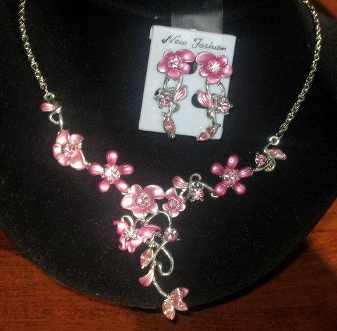 Primary image for Pink Enamel Flower Plating Rhinestones Jewelry Necklace Set