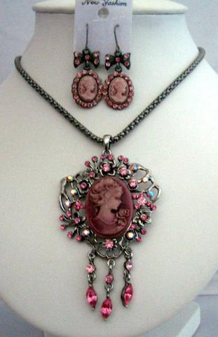 Primary image for Vintage Elegant CAMEO LADY Charm & NECKLACE Set Pink