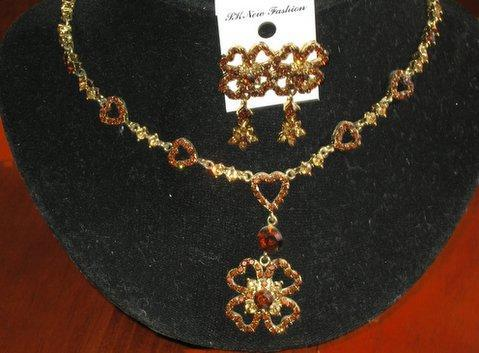 Primary image for Artform Designer Heart Necklace w/ Attached Flower Jewelry Set