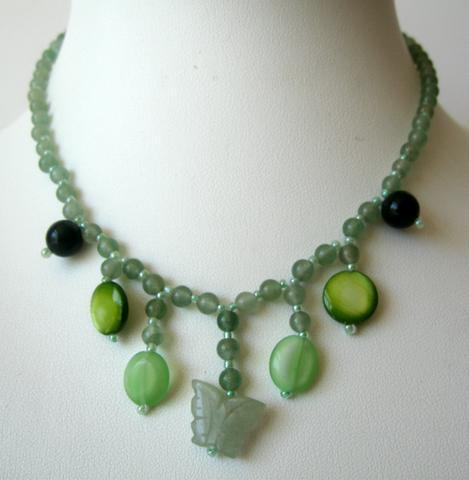 Pretty & Cute Green Lucite Bead Necklace w/ Simulated Stone Dangling