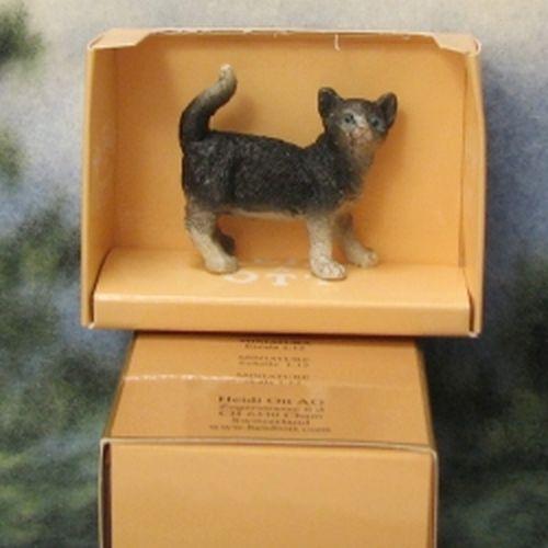 Cat tuxedo w spats bib standing tail up heidi ott gemjanes dollhouse miniatures 2