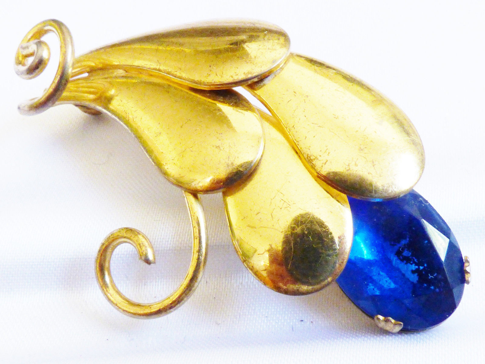 VTG GOLD TONE METAL FLORAL LEAF COBALT BLUE OVAL CRYSTAL RHINESTONE PIN BROOCH