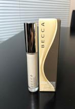 Becca Ultimate Coverage Longwear Concealer LINEN .21oz - NEW IN BOX & FR... - $17.99