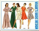 Auction 717 v 1082 dresses 14 early 1970s thumb155 crop