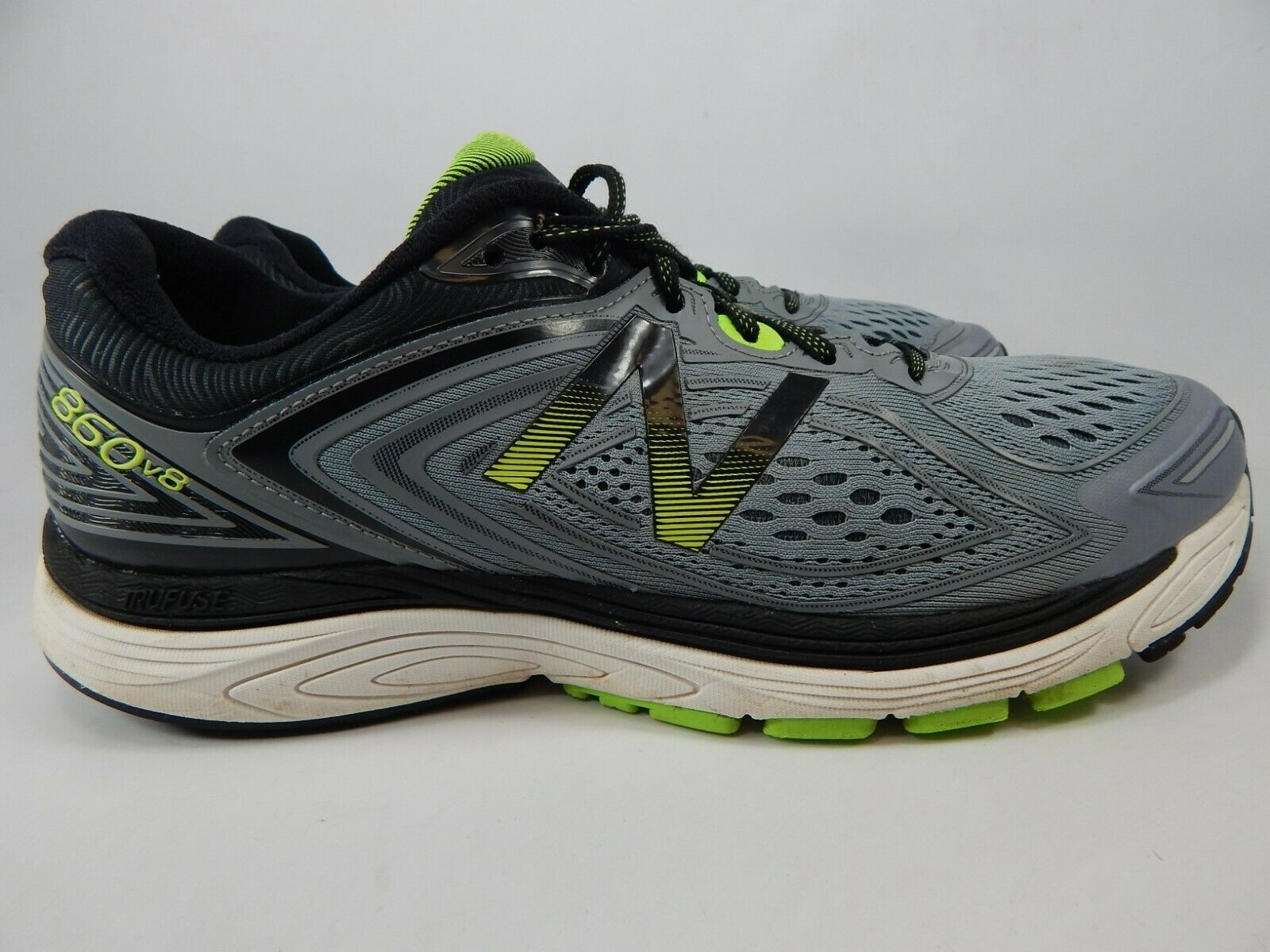 f7922a79d0ec3 New Balance 860 v8 Size US 11 M (D) EU 45 Men's Running Shoes Grey M860GG8  - $61.04