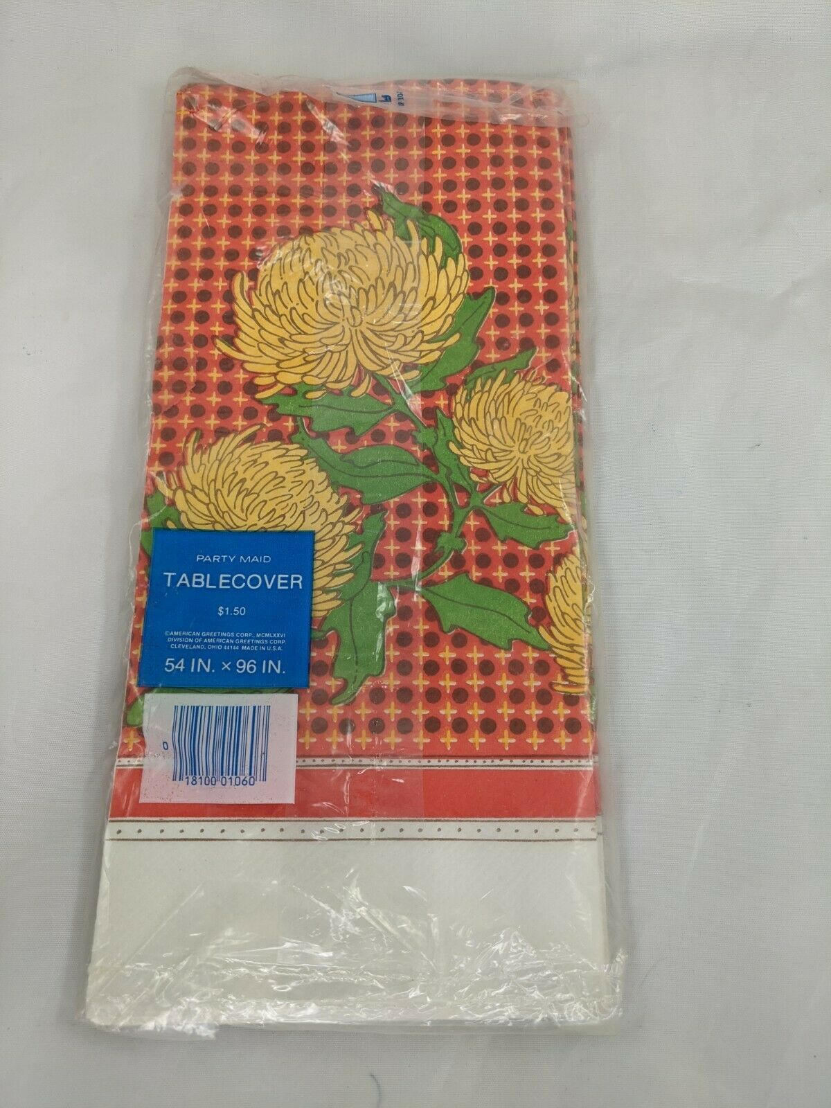 "American Greetings Table Cover Chrysanthemums 1976 54"" x 96"" - $9.95"