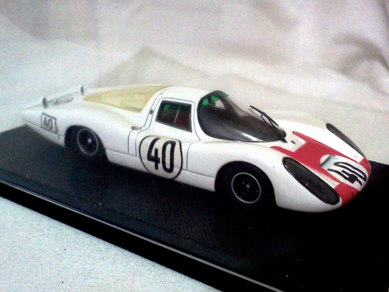 Porsche 907 le mans no. 40 whitered resin.4