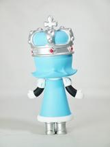 Pop mart kennyswork molly chess club checkmate king blue 05 thumb200