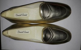 Daniel Green Meg Gold Metalic Slippers size 6 N.  NIB style 1253 shoes s... - £9.94 GBP
