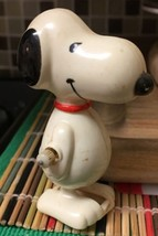 1958 PEANUTS UNITED FEATURES AVIVAENT  WIND UP WALKING SNOOPY TOY - $10.39