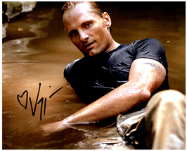 VIGGO MORTENSEN Original Signed Autographed Photo w/Certificate of Authenticity  - $65.00