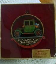 Hallmark 1977 Nostalgia Season's Greetings Ornament e59 - $7.84
