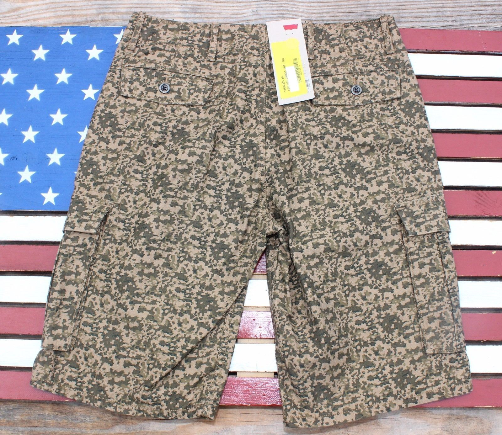 761386d2e8 Levi's Cargo Shorts Men's Relaxed Fit Camo and 50 similar items. S l1600